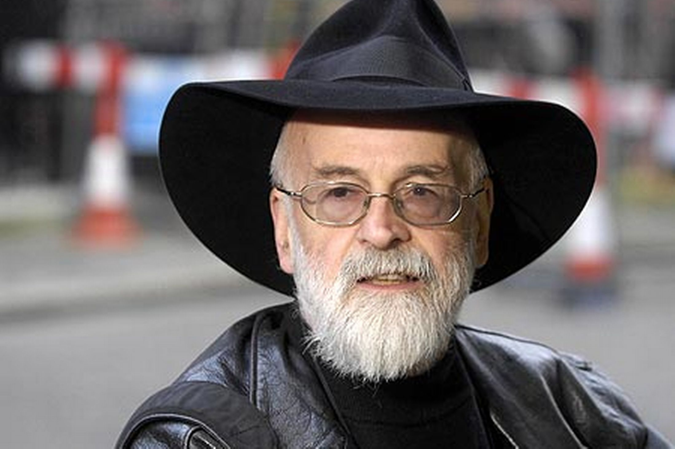 are terry pratchetts books only read by teenagers I have not yet read any of the discworld books, though i am aware of the premise  and have  however, pratchett has written some teen books.