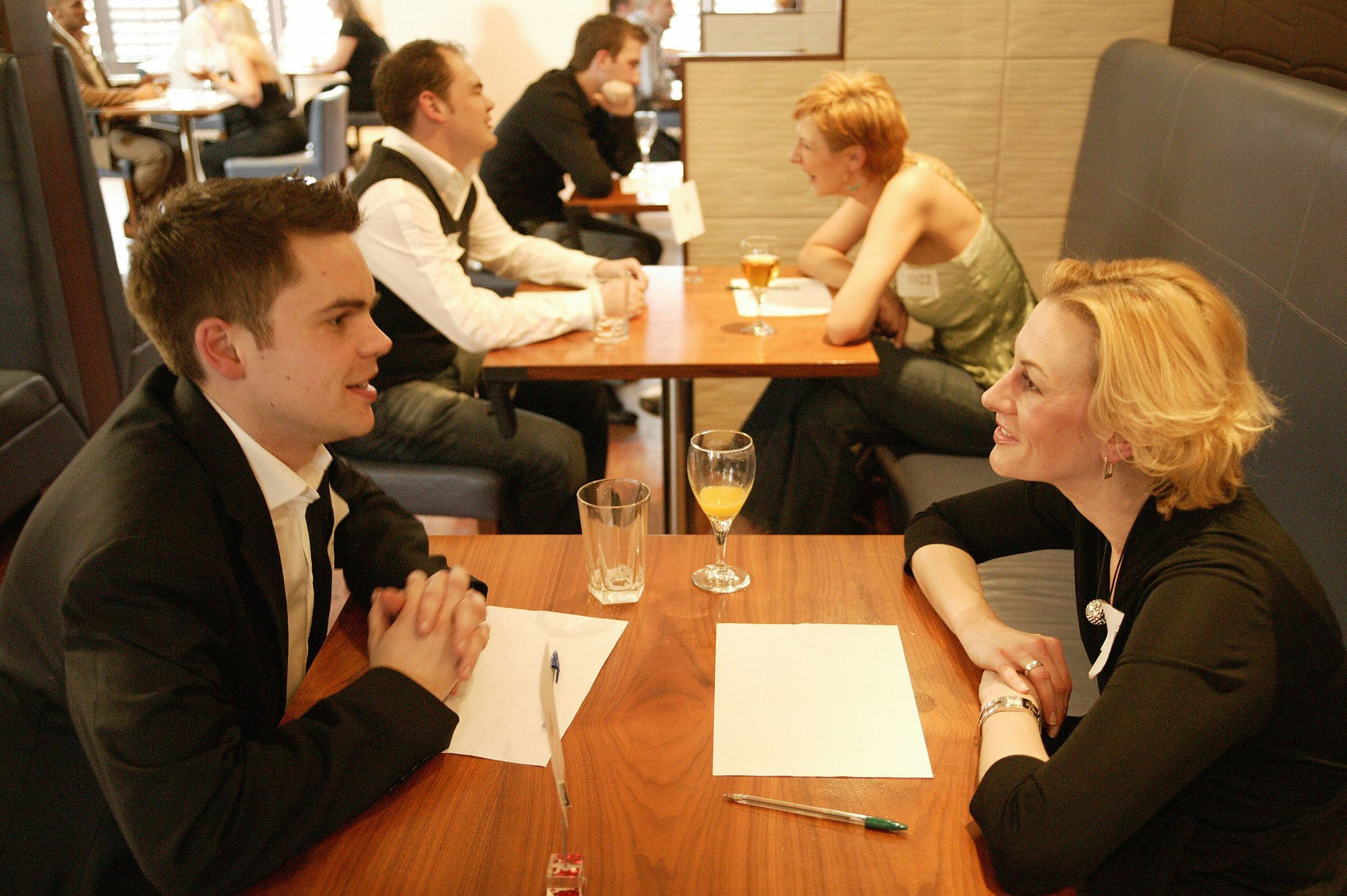 speed up dating 8 reviews of pre-dating speed dating i decided to try speed dating after being frustrated with online dating and all the time that takes let alone issues like photos not being up to date etc being a busy professional and having known about.