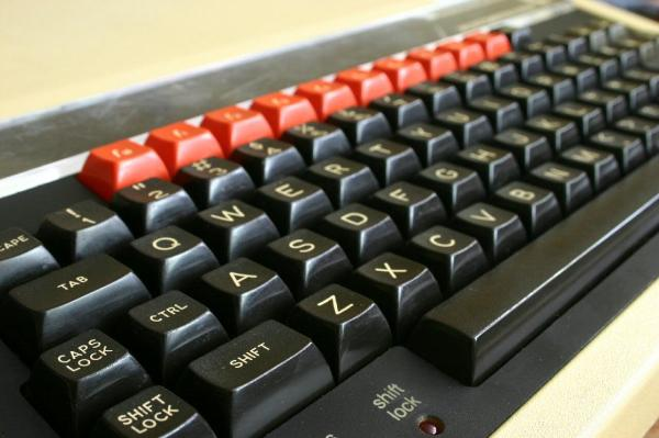 Acorn_BBC_B_microcomputer_-_keyboard
