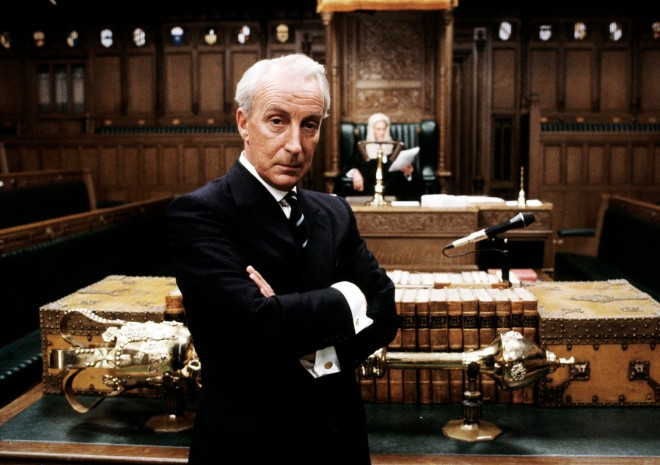 PIcture shows: Francis Urquhart (IAN RICHARDSON) WARNING: This image may only be used for publicity purposes in connection with the broadcast of the programme as licensed by BBC Worldwide Ltd & must carry the shown copyright legend. It may not be used for any commercial purpose without a licence from the BBC. © BBC 1990