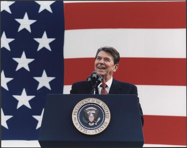 Photograph_of_President_Reagan_at_a_Reagan-Bush_Rally_in_New_York_-_NARA_-_198556