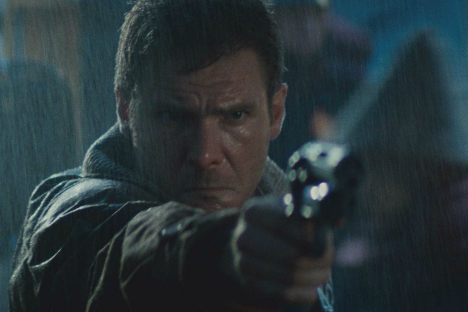 blade-runner-deckard-pointing-gun
